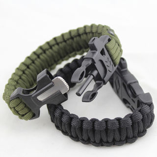 Paracord Bracelet 4 in 1